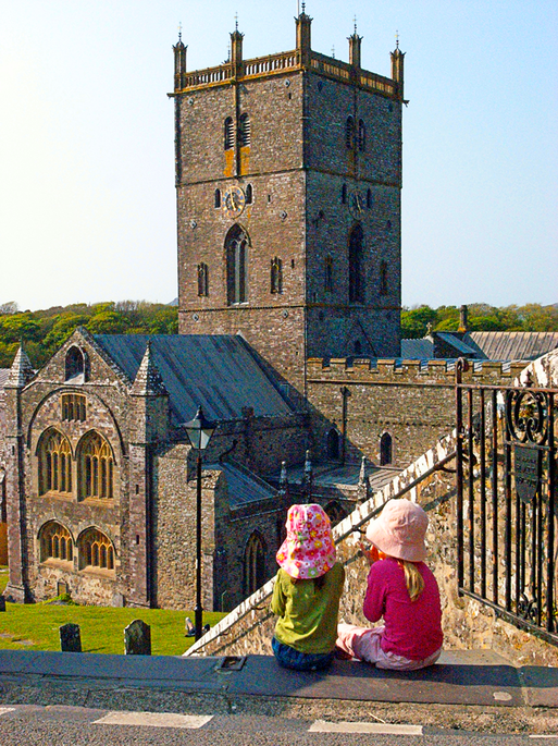 TWO LITTLE TOTS AT ST. DAVIDS CATHEDRAL WALES UK